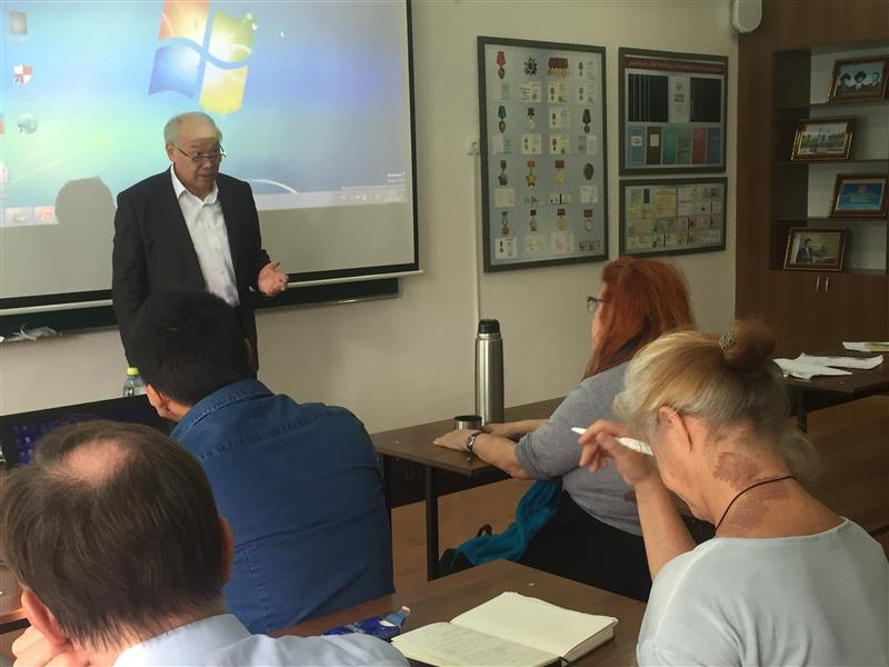 Lecture by Professor K. T. Zhumagulov for students from Austria